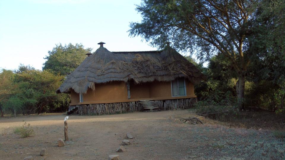 Ensemble des cases de l'hôtel Tinga du Parc National de Zakouma. Crédits photo: Yacoub